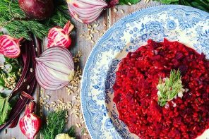 Beetroot and horseradish speltotto