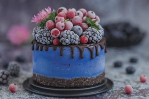 Blue Spirulina, Blueberry and Chocolate Cake