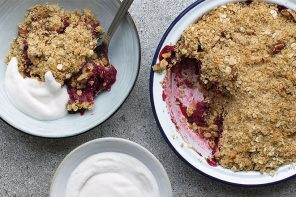 Winter Apple & Blackcurrant Crumble