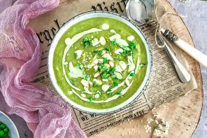 Fresh Summer Pea and Leek Soup