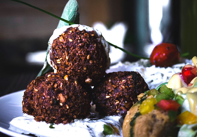 Cacao & Beetroot Snack Balls