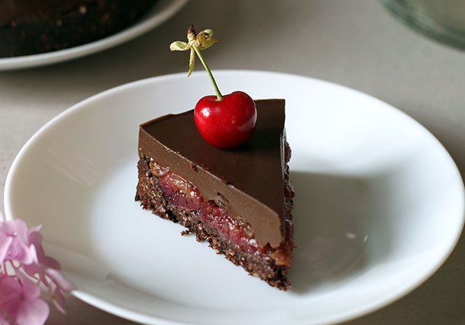 vegan choc tart - thrive magazine